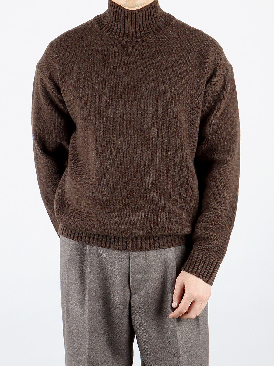 Lambswool turtle-neck knit